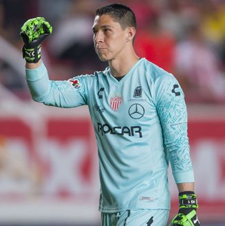 Hugo González celebra un gol de Necaxa