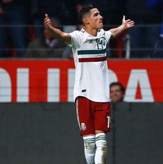 Uriel Antuna, en festejo con la Selección