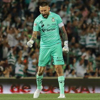 Orozco celebra un gol de Santos Laguna