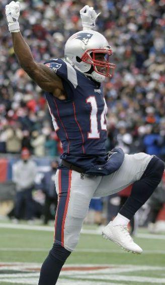 Brandin Cooks festeja un touchdown con Patriots
