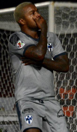 Dorlan Pabón festeja gol contra Veracruz