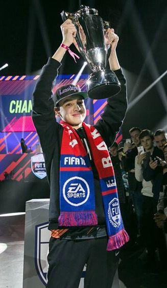 DhTekKz levanta el trofeo en Barcelona