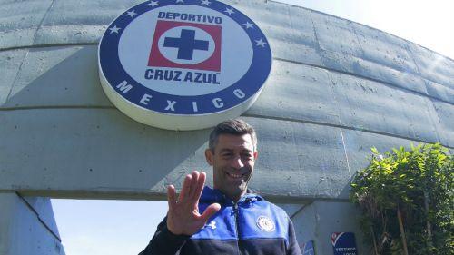 Felipe Mora anotó el único gol de Cruz Azul en amistoso