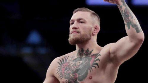 Conor McGregor festeja un triunfo