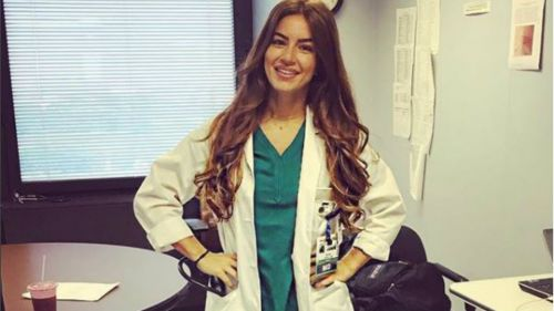 La doctora posee una belleza inigualable