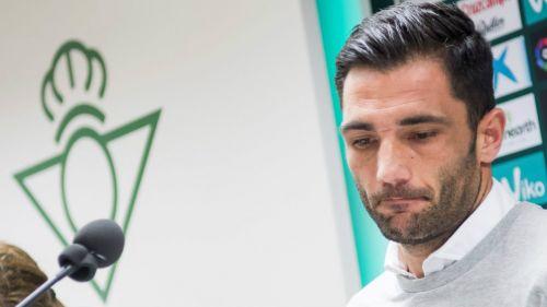 Antonio Adán se disculpa tras insultar a su novia