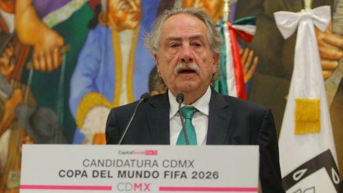 Decio de María en el evento de candidatura del Mundial 2026