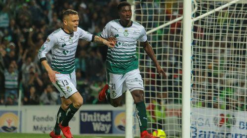 Djaniny Tavares festeja su gol contra Monarcas en la Fecha 3