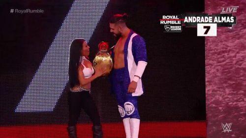 Andrade 'Cien' Almas entra al ring de Royal Rumble
