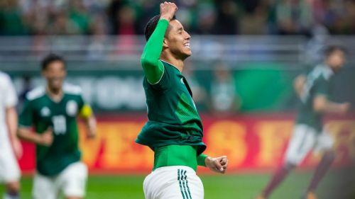 Hugo Ayala festeja gol contra Bosnia