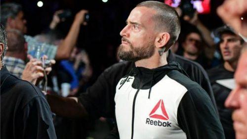CM Punk durante su debut en UFC 203 en 2016