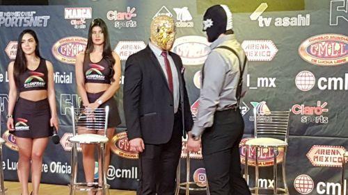Ángel de Oro y Cuatrero se encaran en firma de contrato para Homenaje a Dos Leyendas