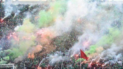Aficionados del Raja Casablanca alentando a su equipo