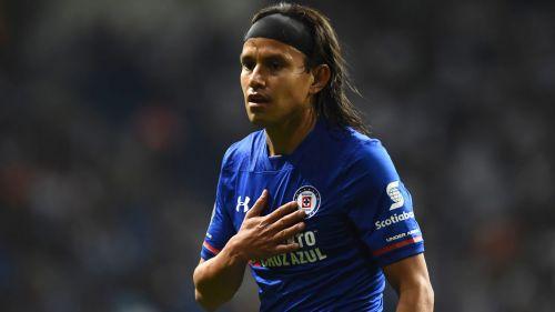 Gerardo Flores durante un partido de Cruz Azul
