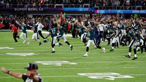 Eagles festeja tras ganar el Super Bowl