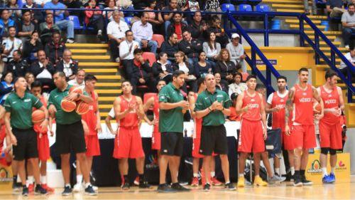 Los seleccionados de basquetbol entrenaron en auditorio de la Universidad Michoacana de San Nicolás de Hidalgo
