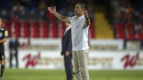 Ambriz reclama una jugada en juego de León