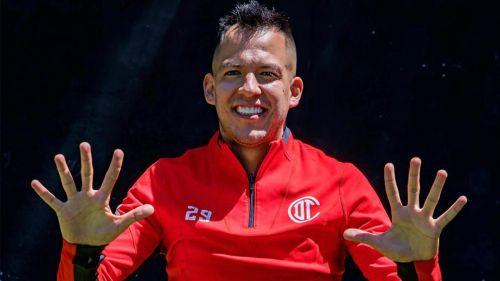 Rodrigo Salinas posa para RÉCORD