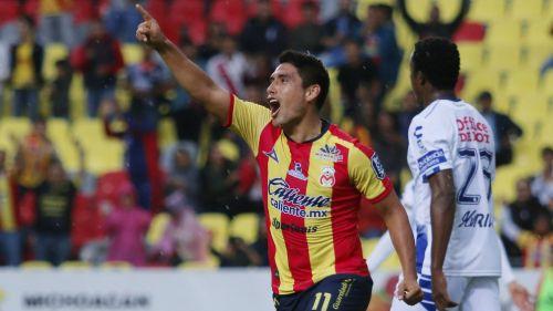 Irven Ávila festeja gol con Monarcas en la J6 del A2018