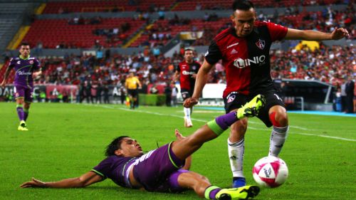 Jugada polémica en el Estadio Jalisco