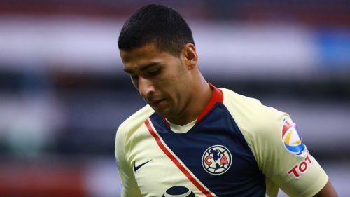 Cecilio Domínguez se muestra triste en partido de las Águilas