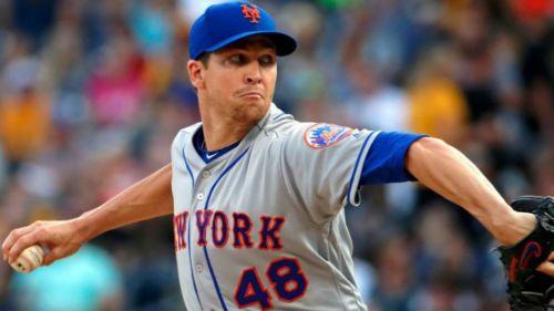 Jacob deGrom durante un partido con New York Mets