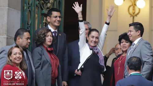 Claudia Sheinbaum celebra tras su toma de protesta
