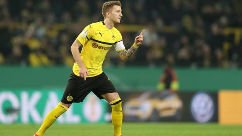 Reus durante un partido con el Borussia