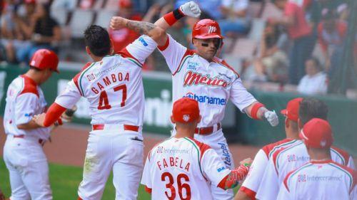Vidal y Gamboa en festejo de Diablos Rojos