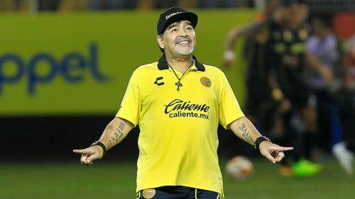 Diego Armando Maradona festeja triunfo de Dorados