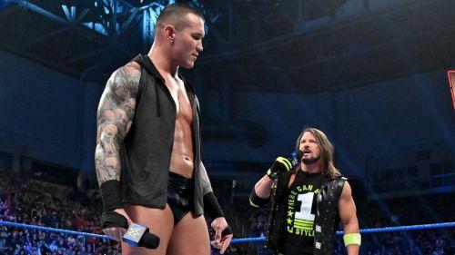 AJ Styles y Randy Orton se encaran en SmacDown