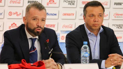 José Luis Higuera y Mariano Varela, en conferencia de prensa