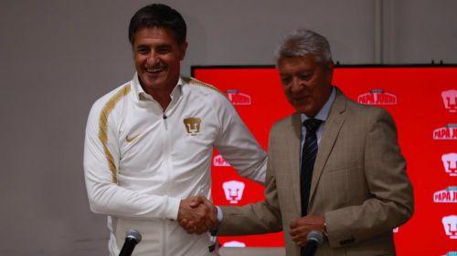 Míchel y Chucho Ramírez durante la presentación del DT