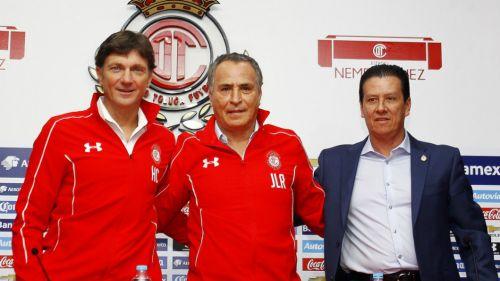 Jaime León, a la derecha, durante la presentación de Cristante y José Luis Real en 2016