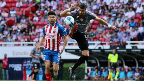 Oribe y Noya, en un duelo de Chivas vs Necaxa