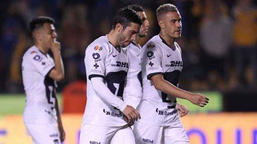 Jugadores de Pumas abandonan el campo tristes por derrota