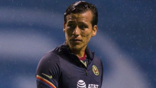 El Oso González, previo a un juego de América