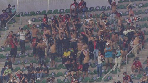 Mazatlán FC vs Atlas: Aficionados protagonizaron pelea en el Estadio Kraken