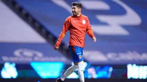 Oribe Peralta jugando en Chivas