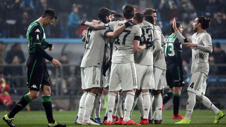 Juventus festeja victoria frente al Sassuolo