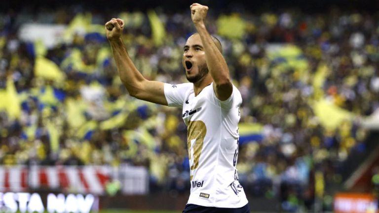 Carlos González celebra un gol ante el América