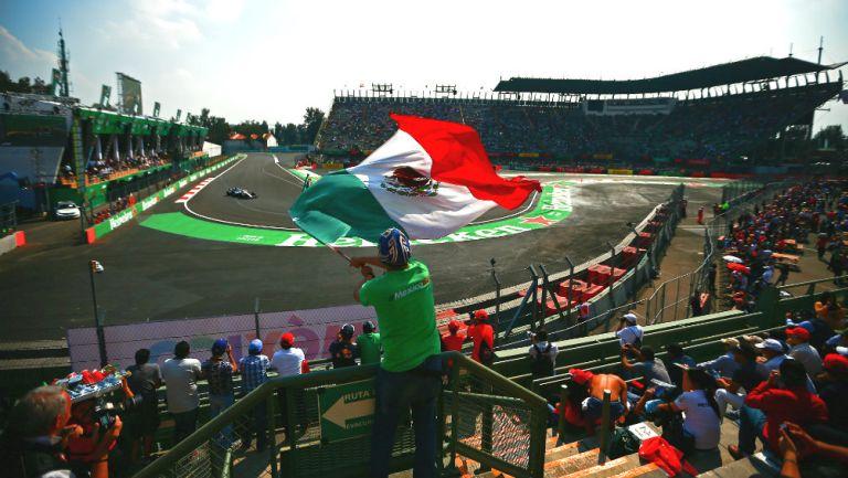 Aficionados durante el Gran Premio de México