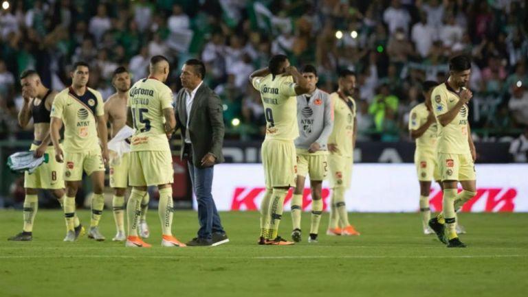 Jugadores del América tras ser eliminados por el León