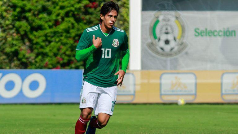 José Juan Macías durante un juego del Tri Sub 20