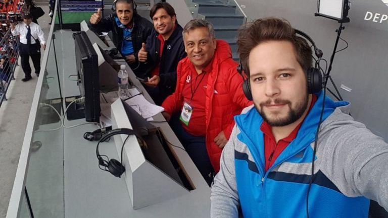El Pollo Ortiz en una transmisión con Televisa Deportes