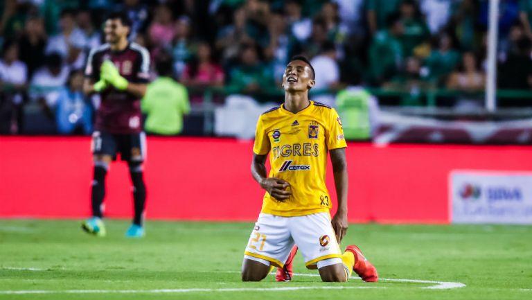 Francisco Meza durante un partido contra León