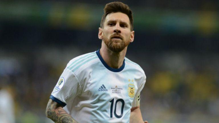 Lionel Messi durante un encuentro frente a Brasil