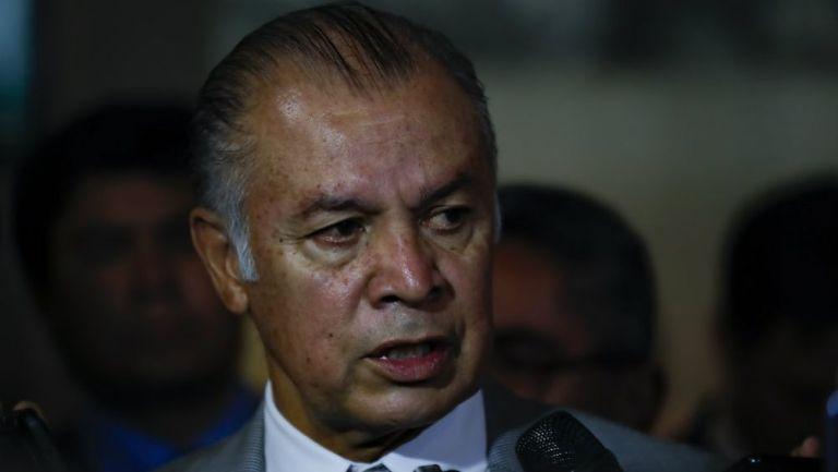 Francisco Cárdenas habla ante los medios de comunicación