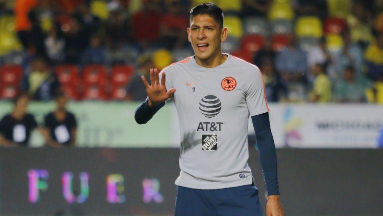 Edson Alvarez previo a un partido del América