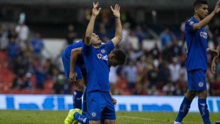 Aguilar celebra el gol que puso adelante al Cruz Azul ante Monterrey